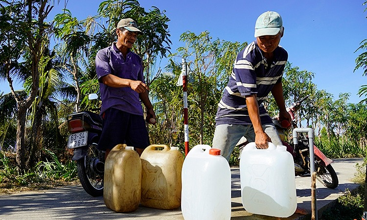 Vietnam to splash out $15 mln in Mekong Delta drought fight