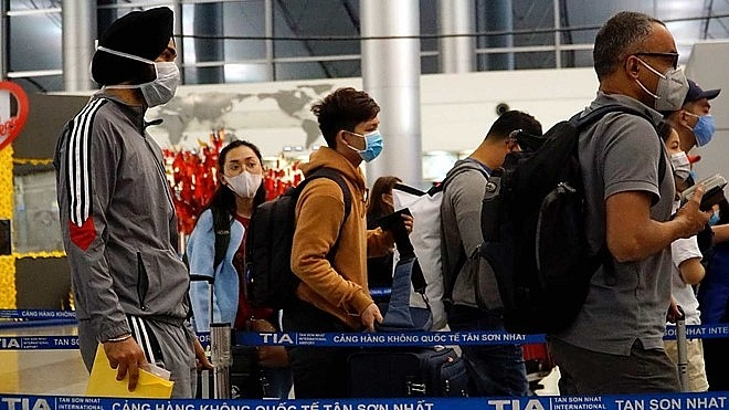 vietnam temporarily suspends all visa issuances to limit intake of coronavirus