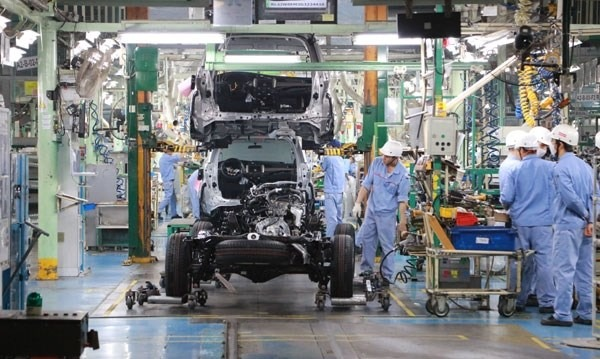 Toyota Motor Vietnam suspends vehicle production hinh anh 1